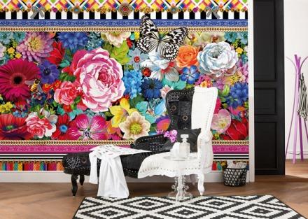 Mural decoratiu flors grans, papallones, colors llamatius